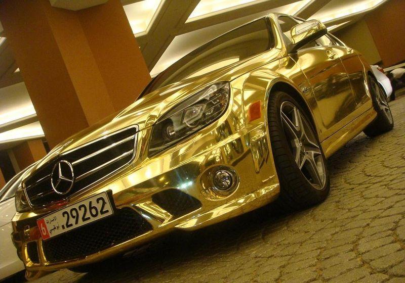 Золотым в ОАЭ может быть даже автомобиль